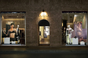 LA PERLA SHOP WINDOWS