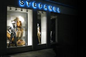STEFANEL SHOP WINDOW